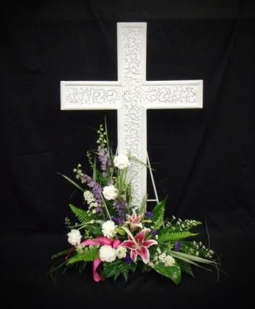 White Metal Cross Arrangement
