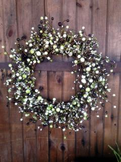 Green and Cream Berried Wreath