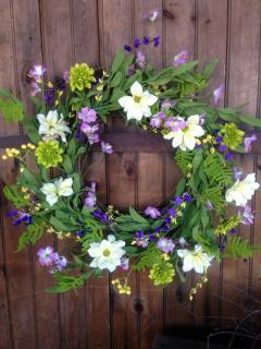 Spring Wreath in Green/Pink/White