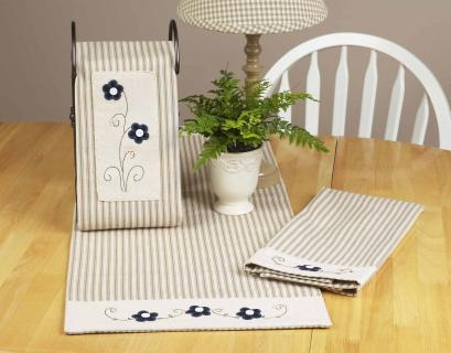 Forget Me Not Table Runner